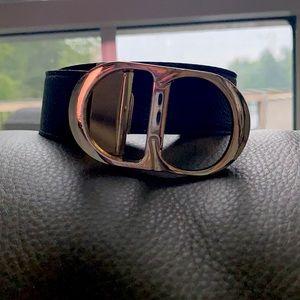 Black belt With gold logo. 2 feet